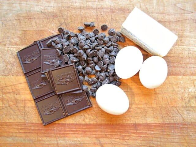 The basic ingredients foe the ultimate brownies