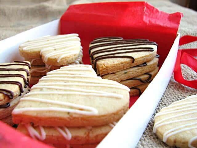 Iced shortbread cookies