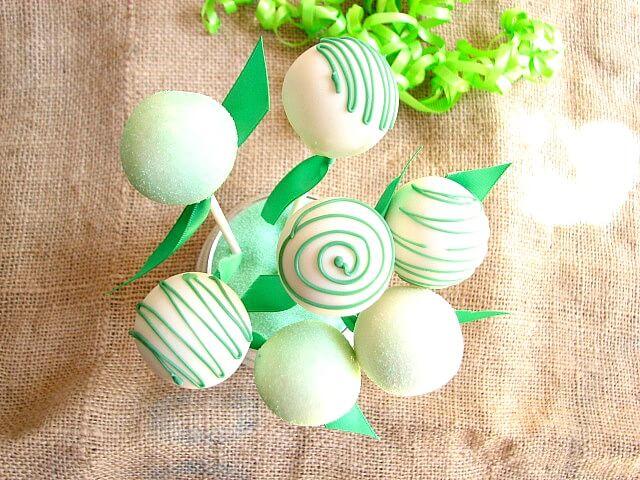 Easy St Patrick's Day Cake Pops Recipe