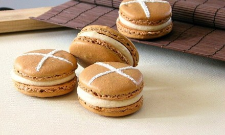 Hot Cross Bun Macarons with Cream Cheese