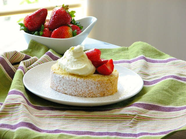 Fresh Strawberry Shortcake Swiss Roll with Whipped Cream
