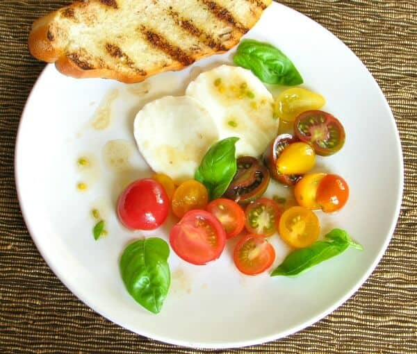 Easy caprese salad with fresh tomatoes