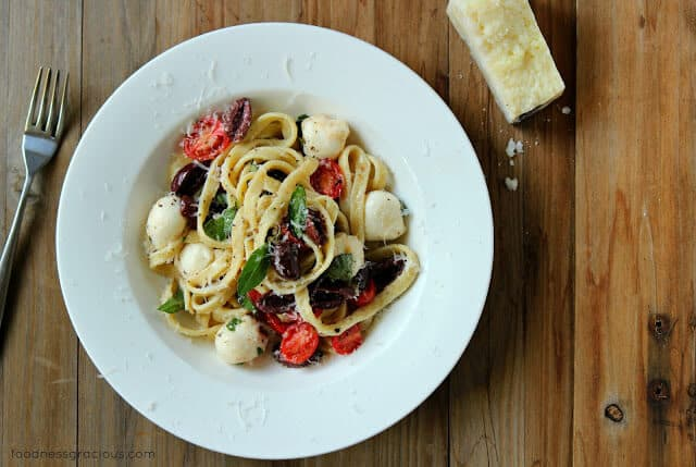 Homemade Pasta with Mozzarella and Olives