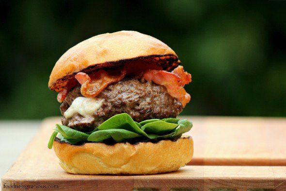Burrata stuffed burgers with bacon