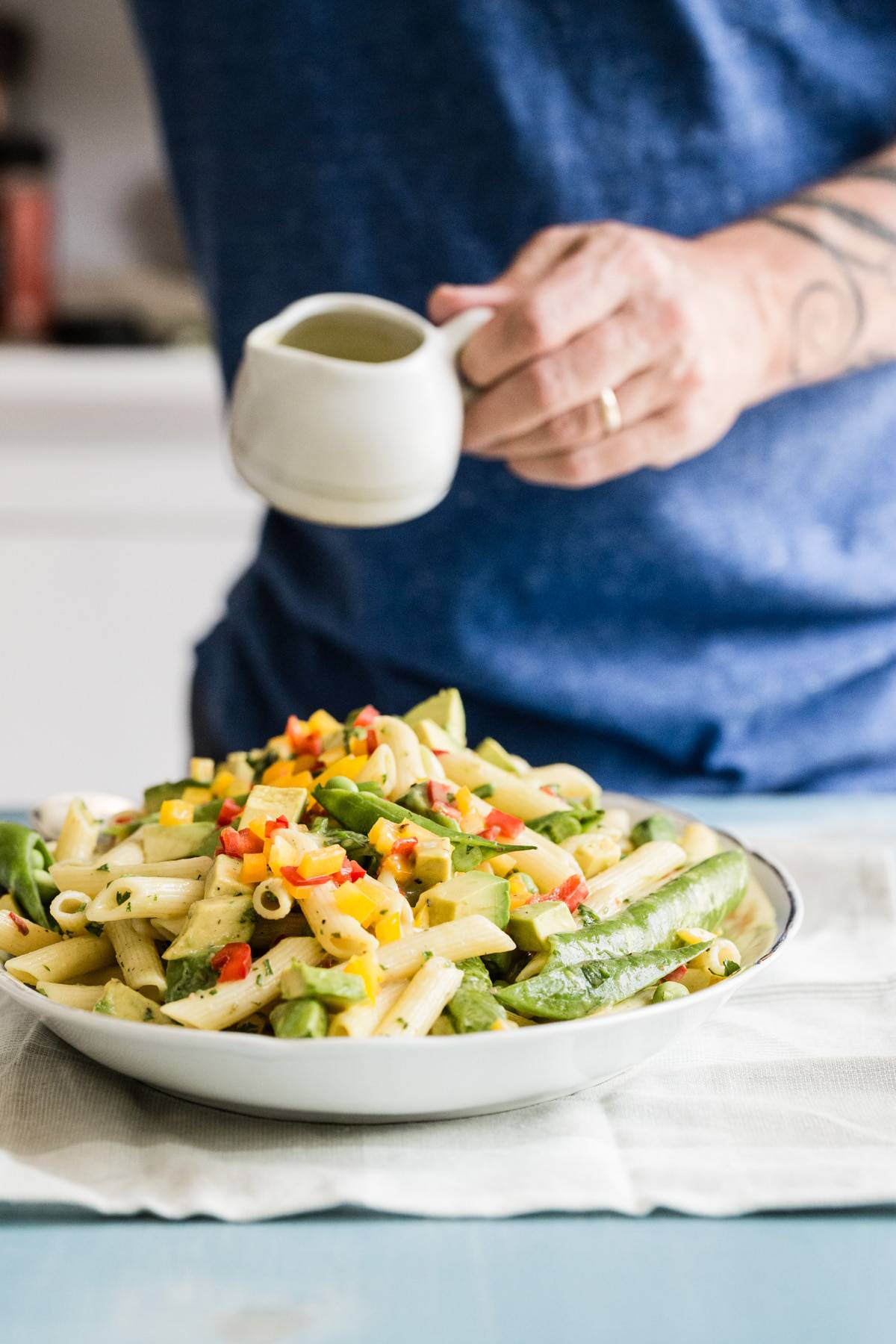 Avocado pasta salad with snow peas