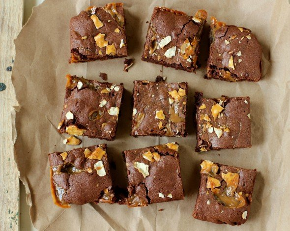 Crunchy and rich caramel chocolate brownies