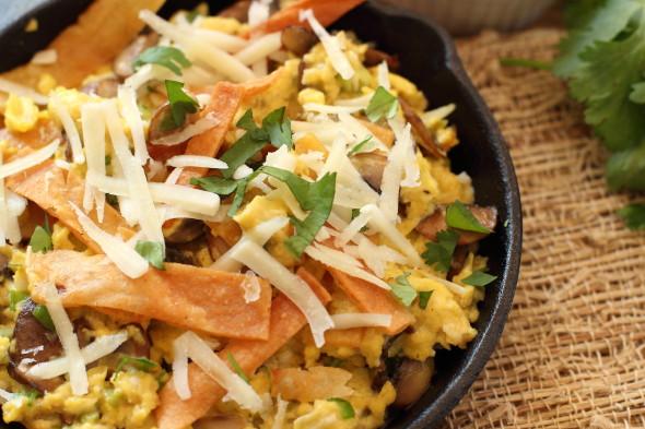 Mushroom breakfast migas