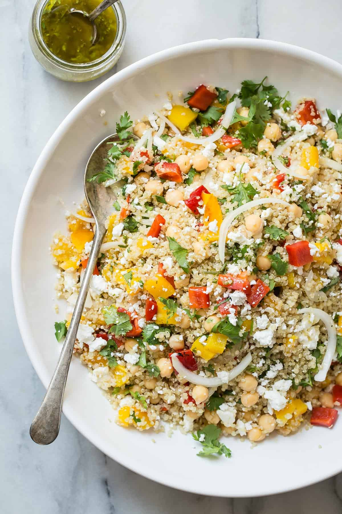 This easy to make quinoa salad is healthy and loaded with veggies too! #salads #healthy #healthyfood #quinoa #foodnessgracious
