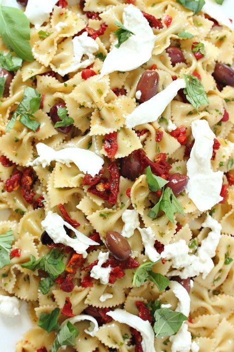 Fantastic summer pasta salad with burrata and kalamata olives