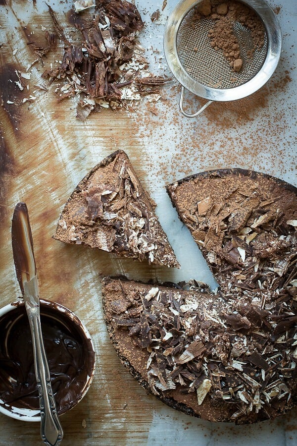 Chocolate mousse in a dark chocolate cookie crust - Foodness Gracious