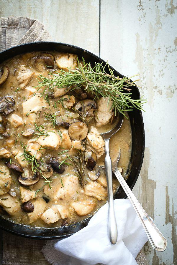 Creamy chunks of chicken and mushroom in a white wine gravy