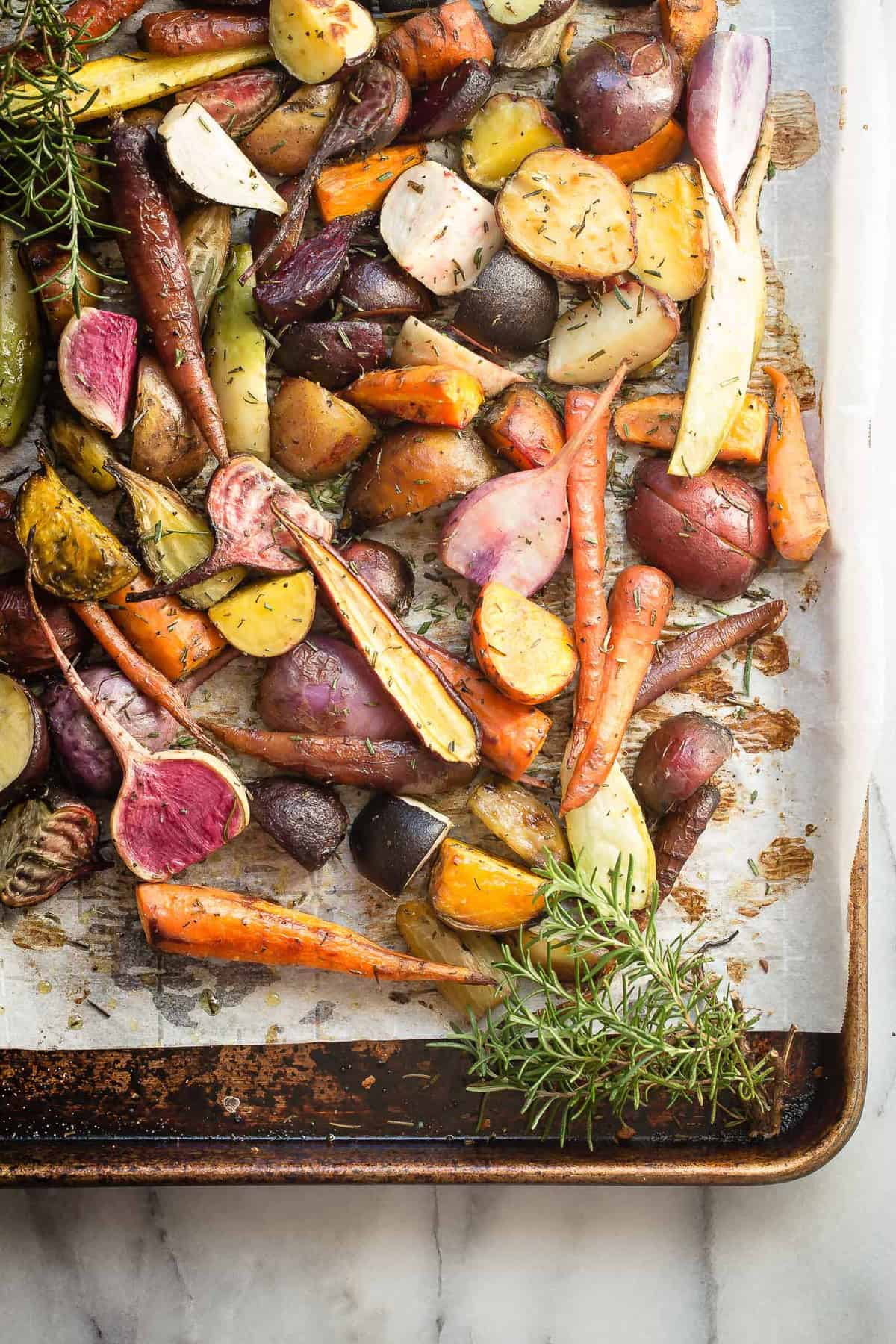 Roast Leg of Lamb with Roasted Root Vegetables - Foodness ...