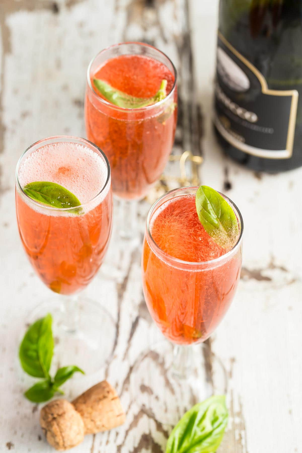 Pomegranate mimosas with fresh basil foodness gracious - Deseed pomegranate less one minute video ...
