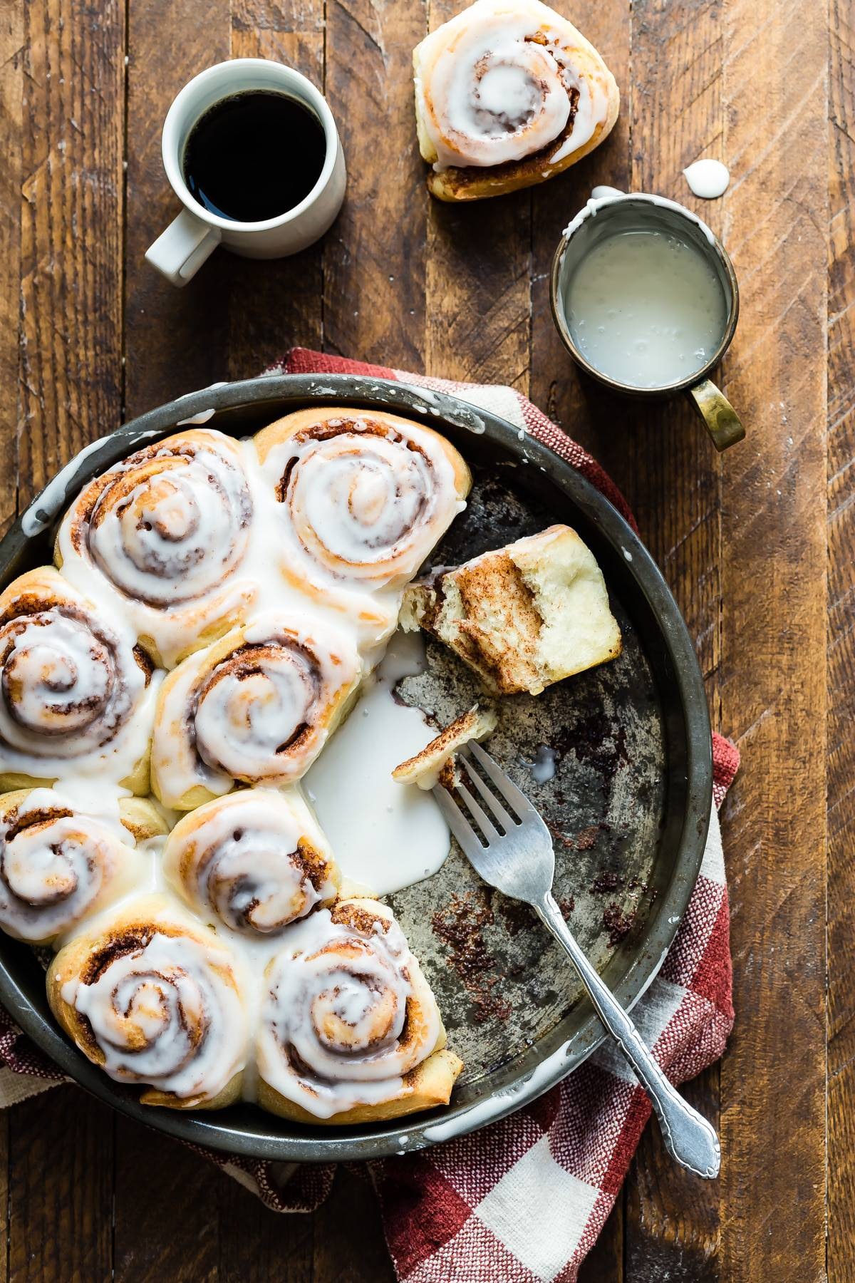 Epic fresh baked cinnamon rolls and a chance to save on groceries with the new @CapitalOne Savor card! #SavorMoments #ad