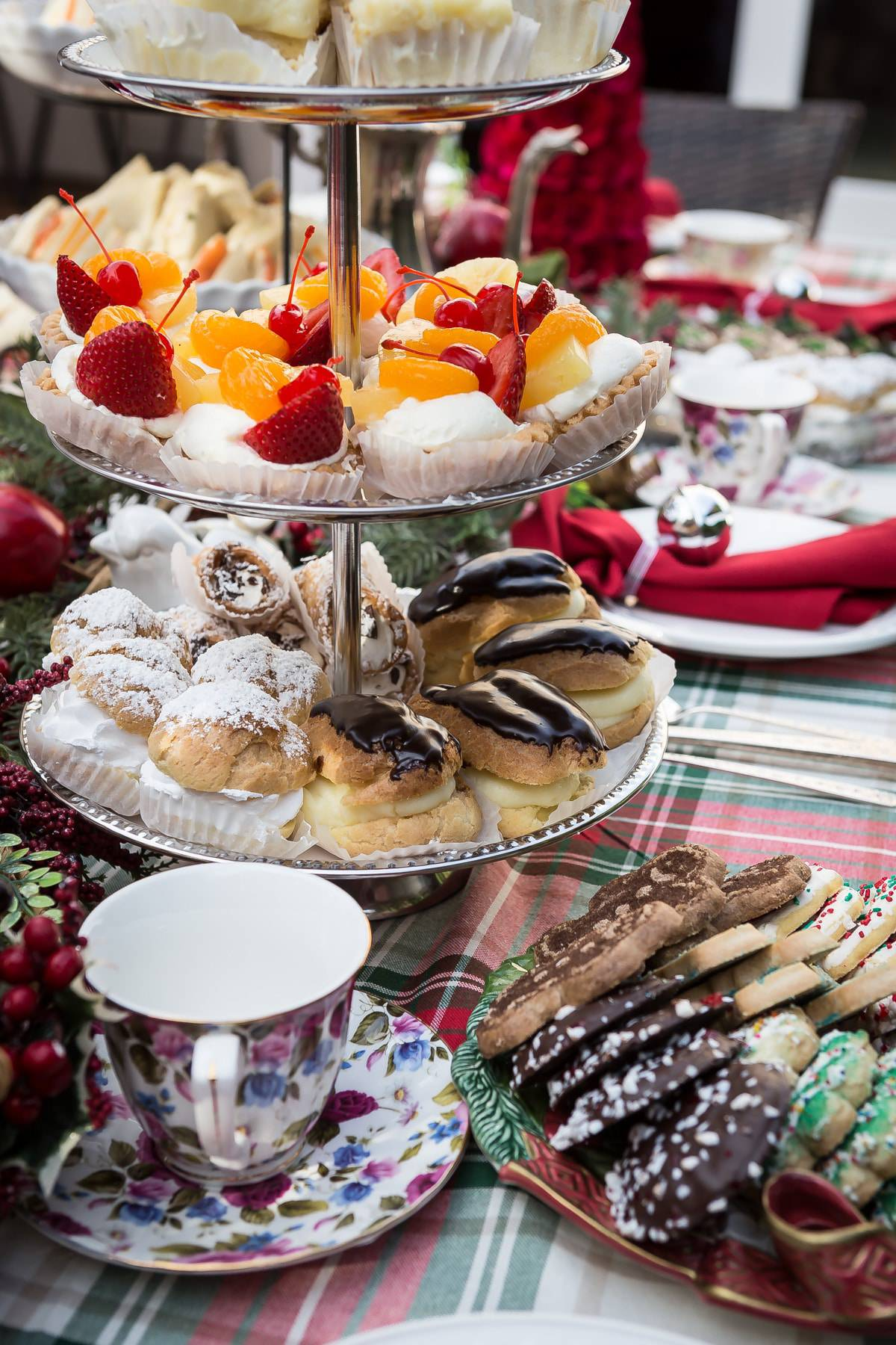 Hosting a traditional English tea party is easier than you think! With mini desserts and finger sandwiches, your guests will have so much fun! @capitalone #SavorMoments #ad