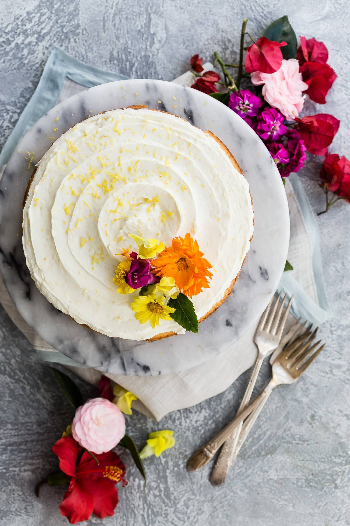 Easy lemon buttercream cake
