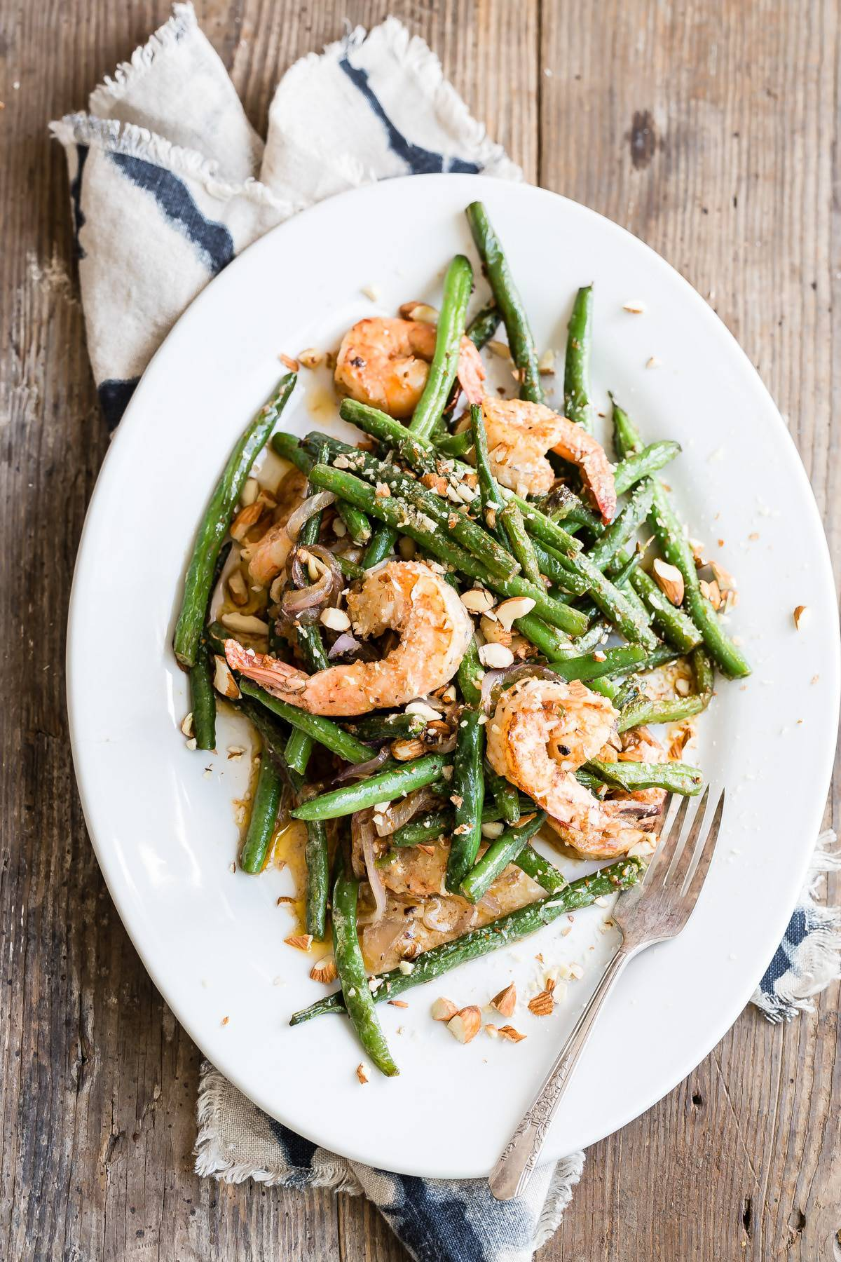Shrimp with green beans and coconut milk