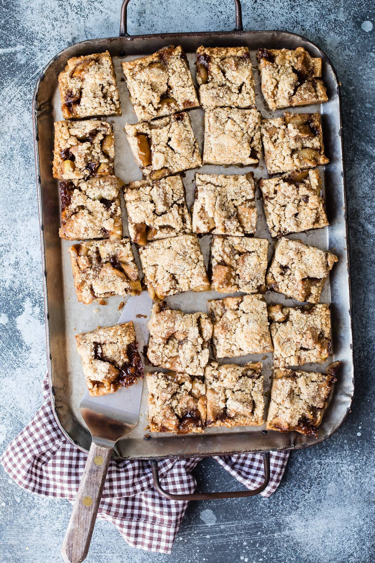 apple pie bars for dessert