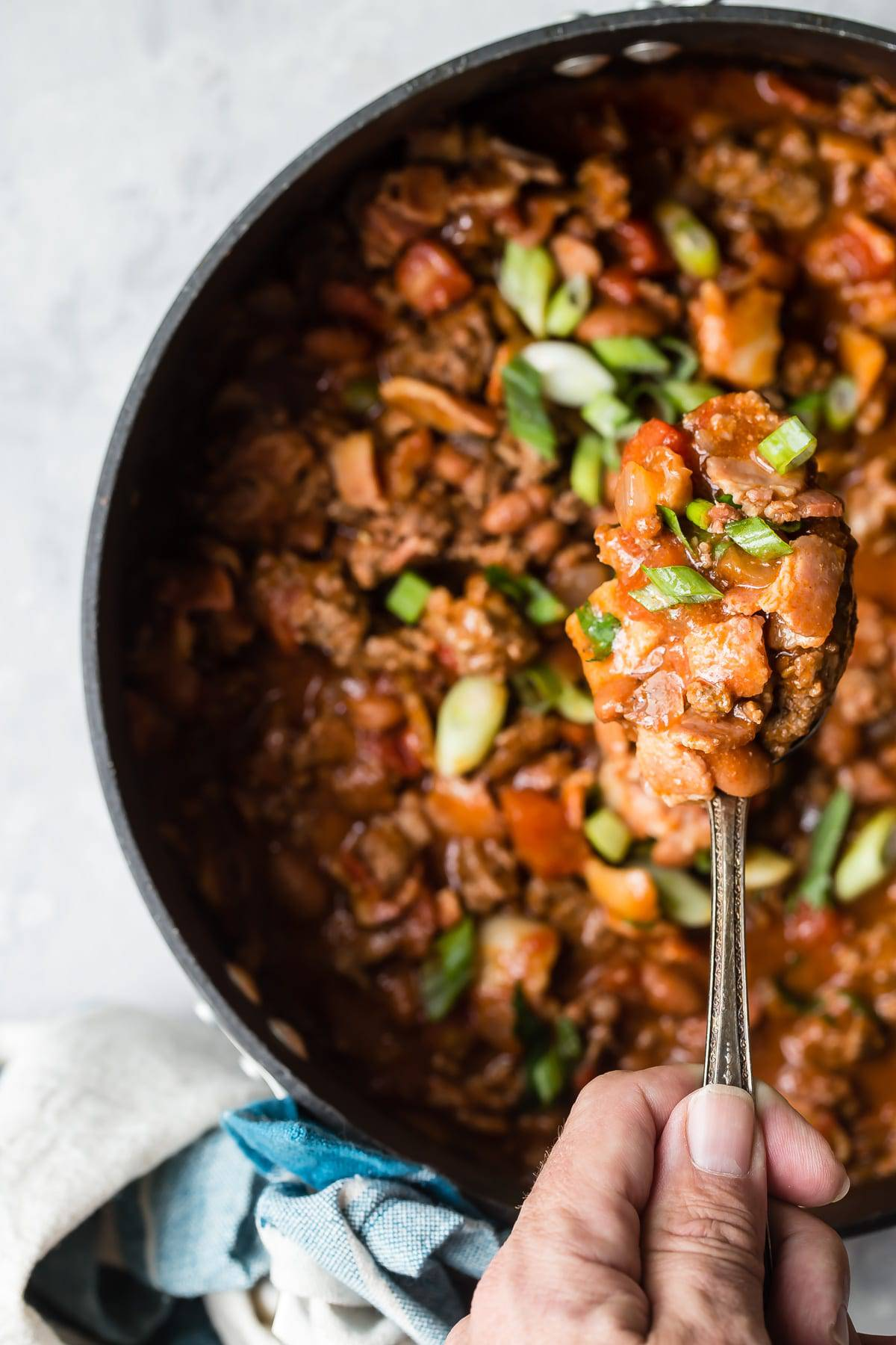 beef chili with green onions