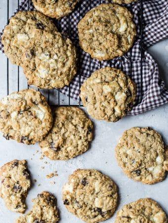 easy white chocolate cherry cookies
