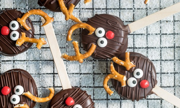 Chocolate Reindeer Cookie Pops