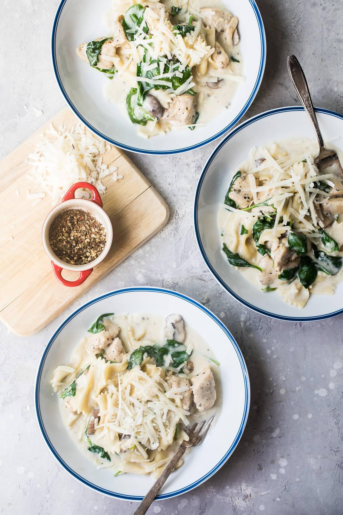 chicken florentine in bowls
