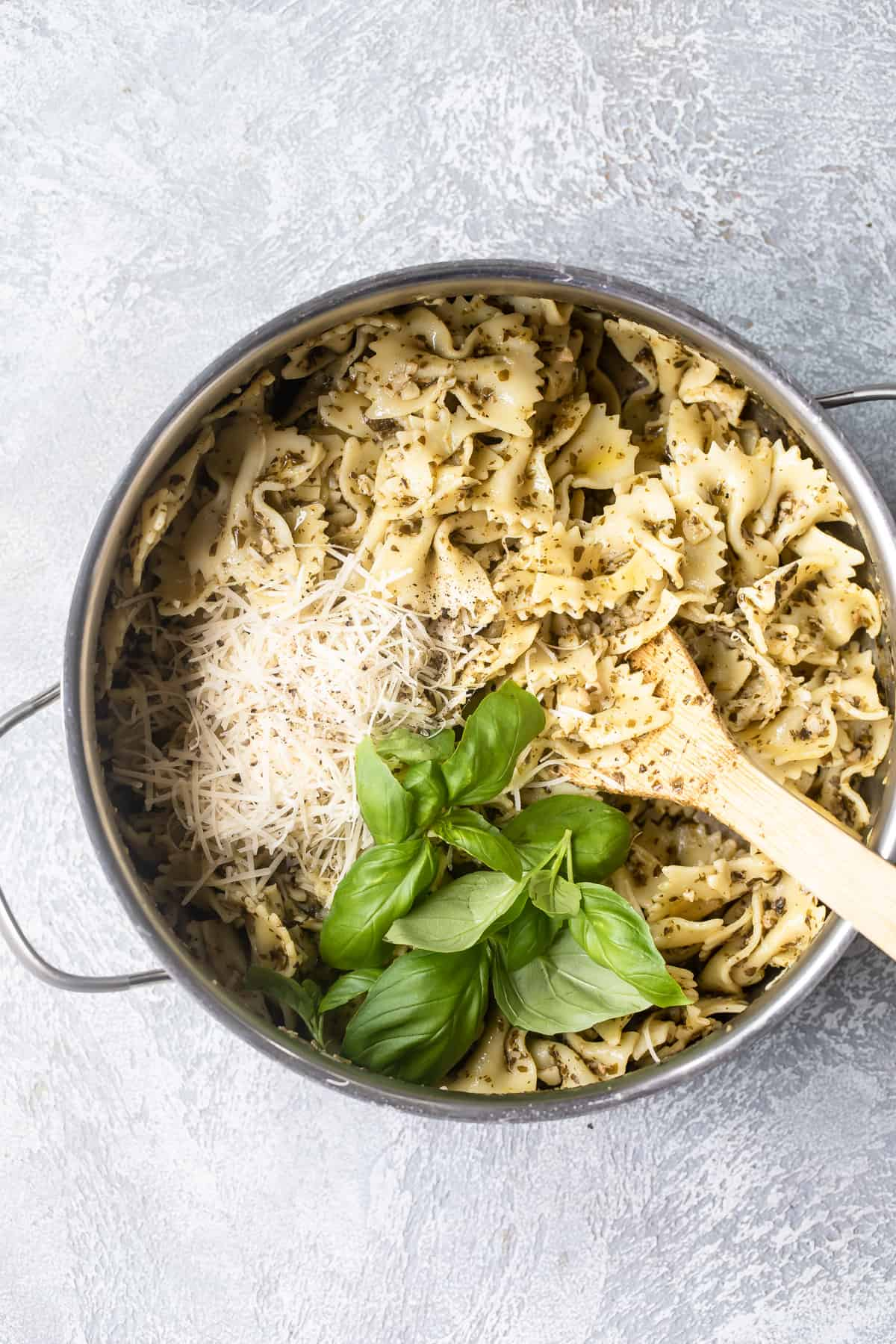 basil pesto pasta in a pot