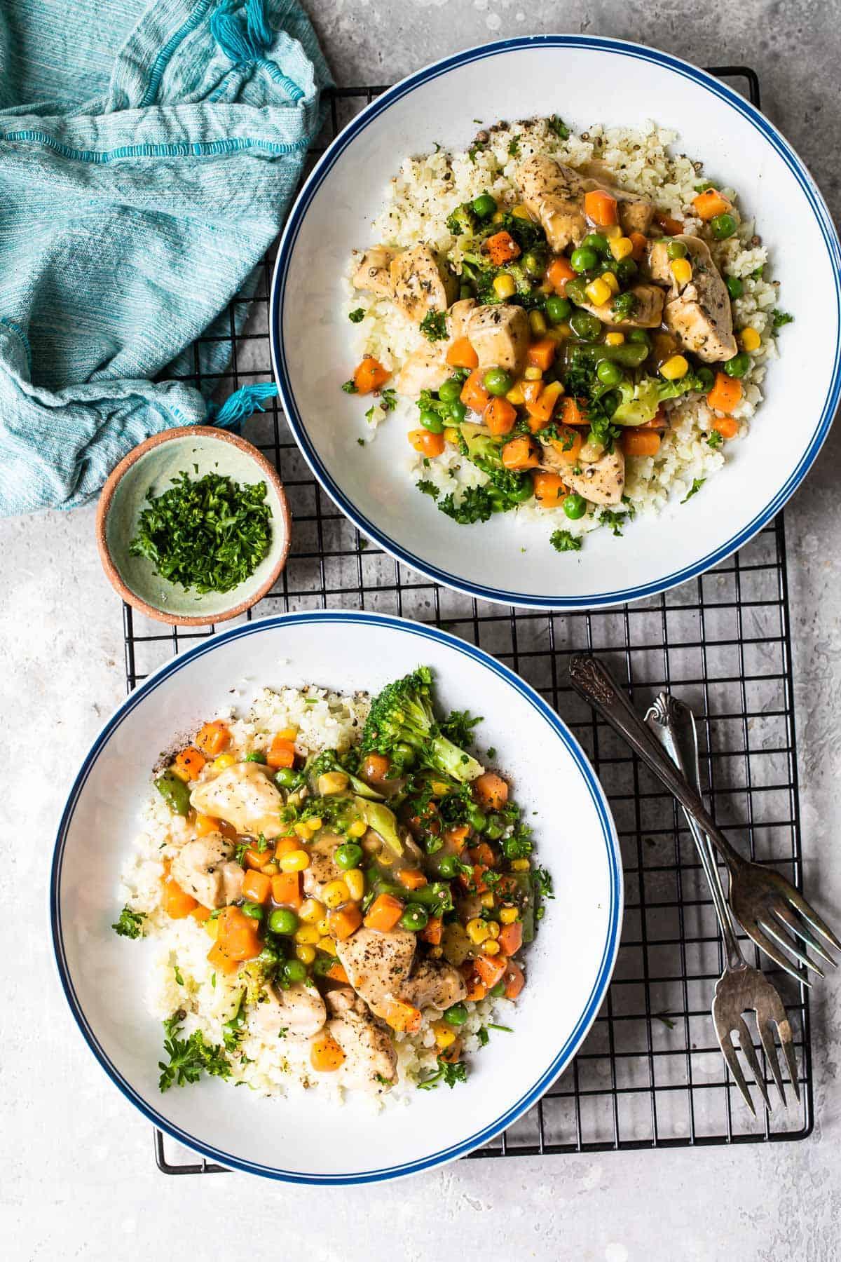 chicken pot pie mixture with cauliflower rice
