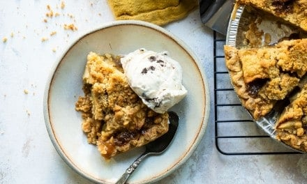 Caramel Apple Crumb Pie